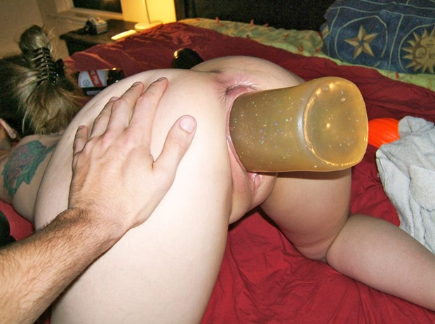 sicflics stretching pussy with candle